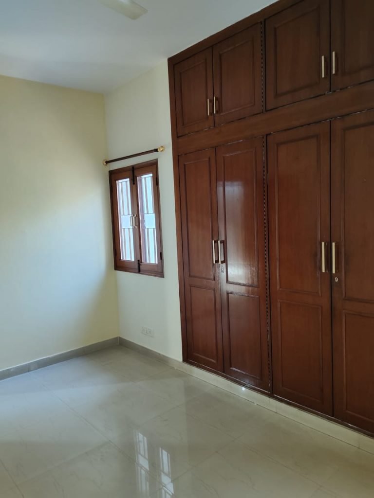 2 BHK apartment for rent in Alaknanda